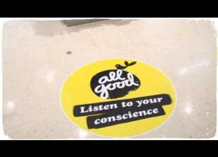 Embedded thumbnail for 來自良心的叫賣聲:眼前是公平貿易香蕉,不買嗎?